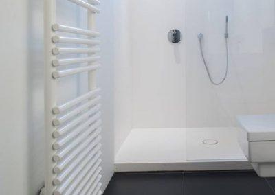 Douche in corian - badkamer op maat - Kortrijk