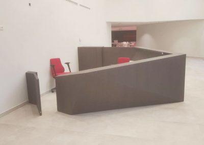 Inrichting kantoor - meubelen op maat - laminaat